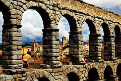 acuaducto (patoche 38) Tags: old bridge architecture town village stones pierre aqueduct segovia pont ville aqueduc acuaducto