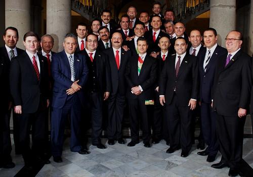 El gobernador Javier Duarte de Ochoa asistió a la firma de Pacto por México.