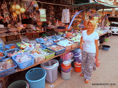 P1011344-002 (snakephoto) Tags: street shopping thailand view market olympus zuiko pattaya 1250 yui fullspectrum f3563 snakephoto epl2
