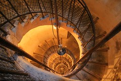 Escalier en colimaon (franck.robinet) Tags: light orange france castle art spiral stair fort prison staircase jail 1855 chateau spirale doubs profondeur franchecomte joux colimacon greatphotographers toussaintlouverture 1200d