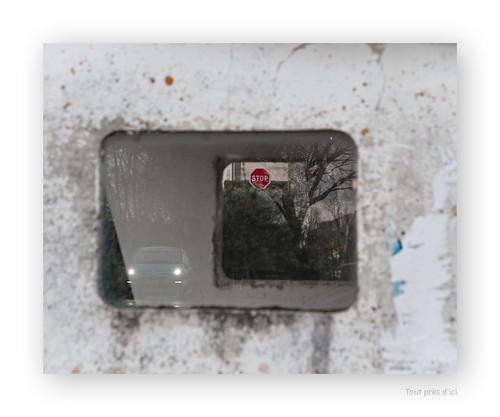 "Stop, Si ça continue , va falloir qu' ça cesse • <a style=""font-size:0.8em;"" href=""http://www.flickr.com/photos/88042144@N05/24677610973/"" target=""_blank"">View on Flickr</a>"