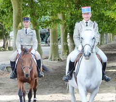 """bootsservice 15 300735 (bootsservice) Tags: horse army cheval spurs uniform boots military traditions cavalier uniforms rider loire officer cavalry militaire bottes carrousel riders armée uniforme officers cavaliers saumur breeches anjou cavalerie uniformes officier """"riding boots"""" eperons"""