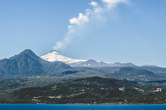 Actividad volcnica (cmenesese) Tags: chile lake nature landscape lago volcano ray villarrica panguipulli calafquen lican