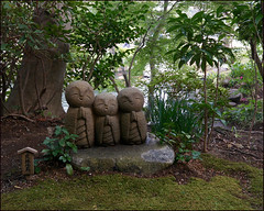Kamakura (Christian Lagat) Tags: temple kamakura statues buddhism  japon hasedera bouddhisme
