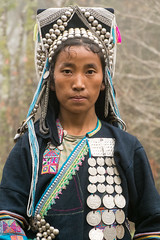 Akha woman on the trail. (Laura Jacobsen) Tags: laos hilltribe akha phongsaly phongsali akhanoukouy