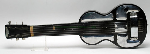1935 Model B Bakelite RICKENBAKER steel lap electro guitar - $962.50 (Sold July 10, 2015)