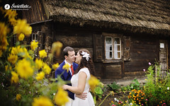 swietliste-fotografia-slubna-wiejska-chata-plener-wsi-skansen-Sierpc-mazowsze