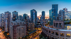 Nightfall (Arthur Castro) Tags: panorama canada vancouver canon cityscape britishcolumbia pano panoramic prdosol anoitecer nightfall canoneosm3