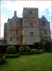 Chastleton House (Canis Major) Tags: house topiary croquet oxfordshire jacobean chastletonhouse
