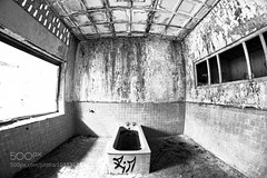 Abandoned bath tub (Mritchie00) Tags: old white house black classic home water architecture vintage ceramic bathroom shower design bath background interior room indoor nobody domestic wash tub faucet bathtub bathing tap luxury isolated fashioned jimmyng