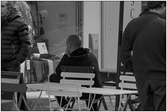 In attesa? - Waiting? (Matteo Bersani) Tags: bar strada wait sedia attesa a58 streetphotograpy sonyalphaitalia corsogarbaldi milanoitaliamilanitaly bwbwbnblackwhitebianconero