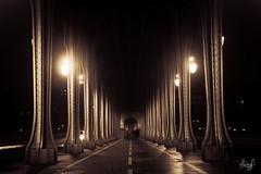 Clich sous les ponts (ALAiN_FAURE) Tags: bridge light paris tower night tour toureiffel alain birhakeim parisbynight effeil effeiltower faure