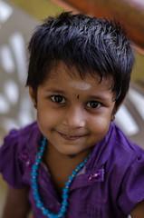 Smiley girl (Ivon Murugesan) Tags: boy india girl kids childrens chennai tamilnadu pondicherry mahabalipuram mamallapuram indianboy indiangirl indianchild puducherry bokhet