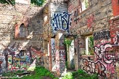 The Dark Side (Trish Mayo) Tags: graffiti ruins gatehouse thebestofday gnneniyisi untermyergardens