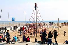 Mar_0491 (Joanbrebo) Tags: barcelona people beach gente playa gent platja poblenou autofocus efs18135mmf3556is canoneos70d
