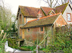Mill House! ('cosmicgirl1960' NEW CANON CAMERA) Tags: houses green buildings hampshire manmade winchester redbrick yabbadabbadoo