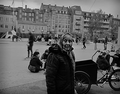 Canon s90 - b&w (Arnar Steinthorsson) Tags: life street city people urban blackandwhite bw monochrome sepia contrast canon copenhagen denmark photography blackwhite lowlight noir candid negro group grain streetphotography skaters bn powershot persons everyday cph arnar kbenhavn s90 streephotography smallsensor canons90 steinthorsson