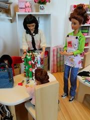 Bits & Pieces - Elizabeth (rata-tat-tat) Tags: dolldiorama barbiediorama barbiepivotal
