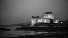 Eilean Donan Castle (qingxiao.lin) Tags: castle bnw eileandonancastle scoland