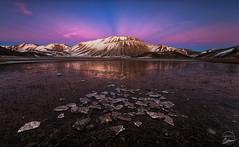 Explosion of light (Alessandro Giordani Landscape Photo) Tags: light sunset ice tramonto explosion di perugia luce umbria monti norcia ghiaccio sibilla castelluccio sibillini vettore