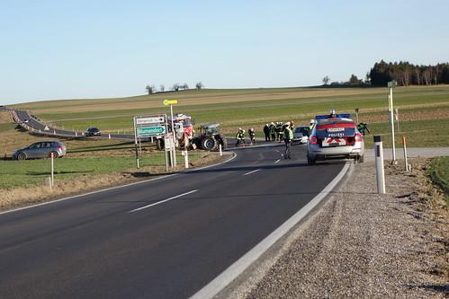 DSC07664 - Verkehrsunfall Strecke Lichtenau / Allentsgschwendt Kreuzung Ladings
