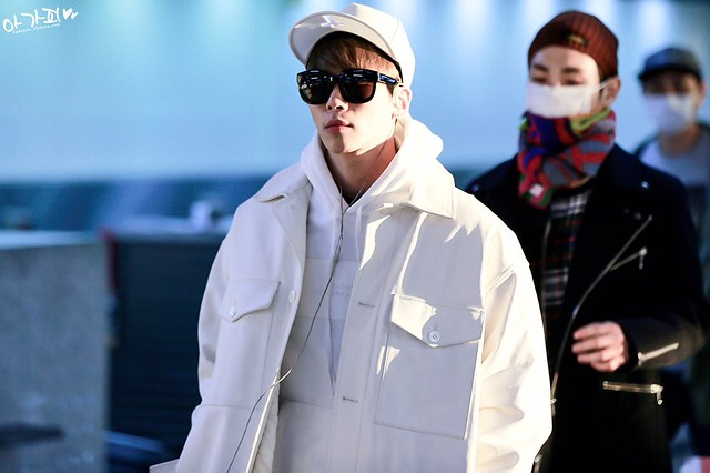160210 Jonghyun @ Aeropuerto de Gimpo {Rumbo a Japón} 24303753283_8ef56ff9e9_z