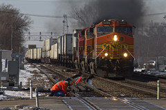 Working on the railroad (PrairieRailfan) Tags: michael grove il fairview 2016 d2xs bnsf5490 subcopyright matalisdowners avenikon peoplemaintenance wayintermodalcrossing overbnsfchicago
