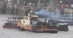 tug dockman of thames towage 05 02 2016 (5) (philipbisset275) Tags: cityoflondon blackfriarsbridge centrallondon englandgreatbritain thamestowage tugdockman unitedkingdomriverthames 05022016