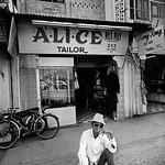 Saigon 1972 by Raymond Depardon - Đường Võ Tánh Gia định thumbnail