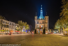 Waag (JdJ Photography (www.jdj-photography.nl)) Tags: city trees sky netherlands night dark square stars evening bomen bars europa europe chairs bright nacht terrace eating centre country drinking nederland restaurants parasol land innercity drinken waag pubs avond lucht region trade helder continent plein centrum scheef terras citycentre province crooked stad eten deventer cafs overijssel donker handel catering brink regio horeca benelux stoelen parasole sterren salland binnenstad provincie weighinghouse entertainmentarea uitgaansgebied