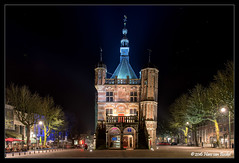 Workshop Avondfotografie Deventer (Hans van Bockel) Tags: city longexposure photoshop nikon raw nef tripod thenetherlands le workshop waag avond stad deventer ijssel architectuur brink locatie groep worp nld binnenstad avondfotografie statief gedik 1680mm haitsma hccity d7200 digidiaal