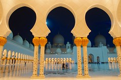 Sheikh Zayed Grand Mosque Abu Dhabi UAE (Mathias Apitz (Mnchen)) Tags: city travel holiday night nacht united urlaub uae grand palace mosque arabic emirates zayed abudhabi corniche abu dhabi emirate sheikh reise vae moschee wolkenlos nachtfotos vereinigte arabische