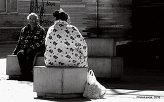 Maana de sol (Landahlauts) Tags: woman man calle mujer stranger andalucia granada andalusia andalusien hombre andalousie desconocido streetshot andalusie fotosrobadas andaluzia robado andalusi andaluzja robandoalmas stealingsouls almanjayar andaluzio    endulus    andalouzia andalusiya