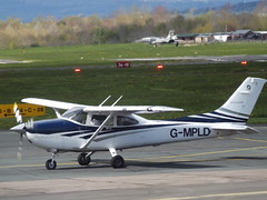 G-MPLD Cessna 182 Oxford Aviation Academy (Oxford) Ltd (Aircaft @ Gloucestershire Airport By James) Tags: james airport aviation gloucestershire oxford academy ltd cessna lloyds 182 egbj gmpld