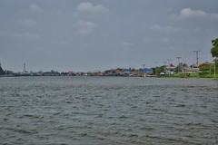 The Chao Phraya river flowing around Ko Kret, an island near Bangkok, Thailand (UweBKK (α 77 on )) Tags: water river thailand island asia bangkok sony ko southeast alpha dslr chao koh 77 slt pak kret phraya kokret kohkret pakkret