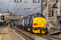 37405 - 1G04 - Stratford - 30.04.2016 (Tom Watson 70013) Tags: street charity tractor london set train liverpool tour diesel rail railway short greater express each services stratford direct anglia drs class37 37405 37419 1g04