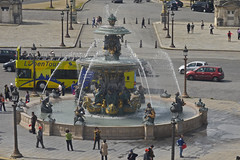 2016.04.14.018 PARIS - La grande roue, Place de la Concorde, la fontaine des mers (alainmichot93) Tags: paris france statue seine architecture nikon ledefrance fontaine arbre mange placedelaconcorde granderoue jetdeau 2016