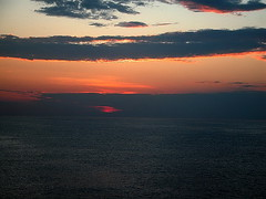 Pr-do-sol no Rio de Janeiro - Pr-do-sol (Sereiazinha Si) Tags: sunset sea brazil sky orange brasil riodejaneiro mar laranja cu prdosol litoral crepsculo cruzeiromartimo