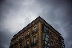Luz Entre Sombras (Light Betwen Shadows) (Dibus y Deabus) Tags: sky españa building architecture clouds canon 50mm spain arquitectura gijón edificio asturias cielo nubes cimadevilla gijon 6d