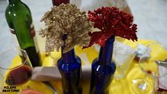 Bottles (milenaagostinho) Tags: azul enfeites novo vinho ano brilho garrafas enfeite