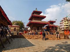 P1290628-1 (Flo Guichard) Tags: nepal stone square de outdoors temple florence earthquake photographie pierre report traces crack 25 temples april terre kathmandu durbar avril extrieur remains reconstruction rebuilding photojournalist npal ouside fissures 2015 photojournalisme katmandou guichard tremblement