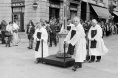 A Ciascuno la sua Croce... (sirio174 (anche su Lomography)) Tags: como lago processione viacrucis benedizione