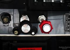 Throttle & Mixture (Antnio A. Huergo de Carvalho) Tags: prepa cockpit skyhawk cessna mixture throttle c172 cessna172 mistura aerocon c172n potncia