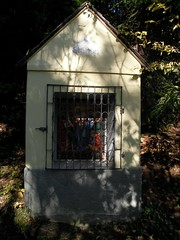 20111031Oberzeiring Kavarienberg (rerednaw_at) Tags: steiermark christus kleider kapelle kalvarienberg oberzeiring beraubung 10station