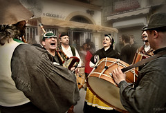 Aturuxo * (Franco DAlbao) Tags: street people music musicians calle fiesta gente pipes folklore fair feira galicia gaitas tradition msica grito vigo tradicin msicos folclore aturuxo ruada dalbao francodalbao samsungwb700