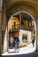 History and stories (Paco CT) Tags: street door light people urban france annecy luz bicycle town construction puerta arch gente outdoor streetphotography bicicleta structure transportation construccion arco fra urbanscape transporte hautesavoie 2016 pacoct elementoconstructivo