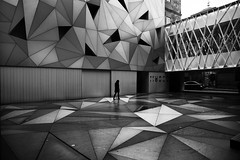 (cherco) Tags: street city shadow blackandwhite woman blancoynegro geometric silhouette museum composition canon mujer triangle alone geometry ciudad sombra 5d lonely museo silueta solitary solitario composicion triangulo aloner