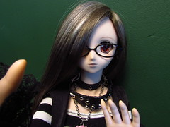 Yuki showing one of her books. (-Tigger-) Tags: yuki tigger dd holmes sherlock dollfiedream thestrandmagazine