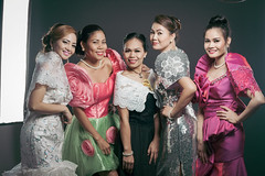 pinays in filipiniana costume (akachoke) Tags: light colors smile canon studio singapore warm philippines group smiles happiness pinay filipina miss filipinas filipiniana strobe pinays