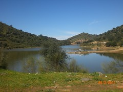 Embalse de la Minilla, El Ronquillo (angelmelendez3) Tags: naturaleza mountain nature water oak agua hill sierra reservoir colina range embalse holm encina clayey arcilloso